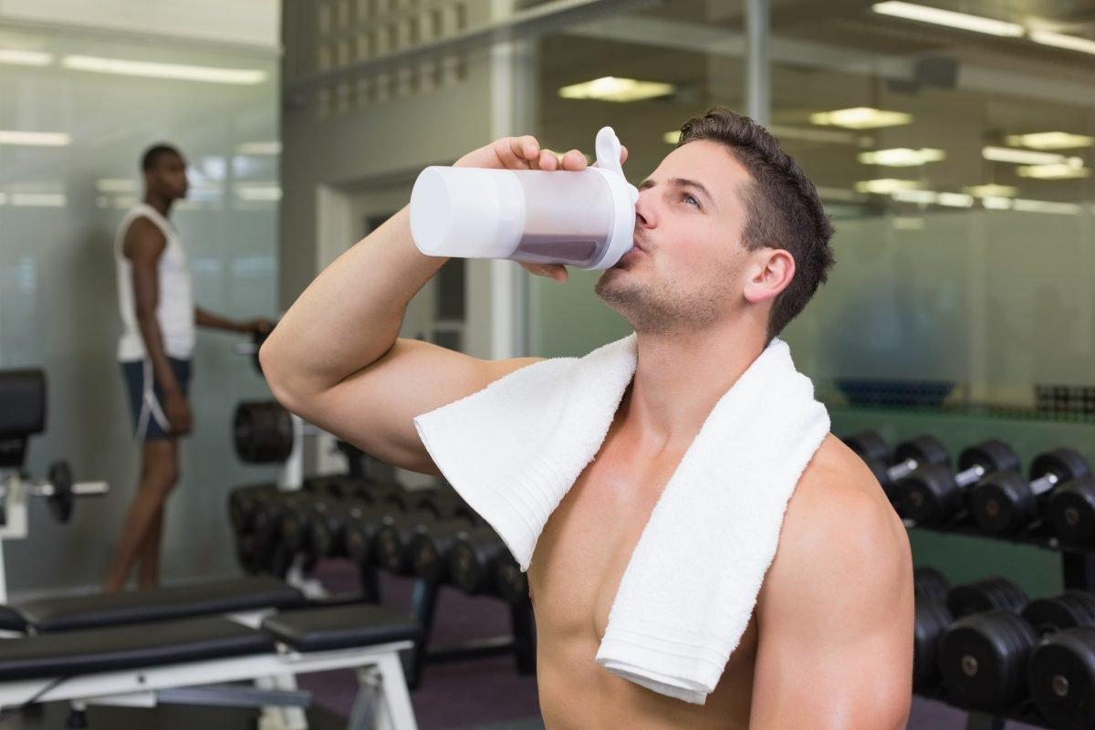 Можно ли пить воду с сахаром и медом во время и после тренировки?
