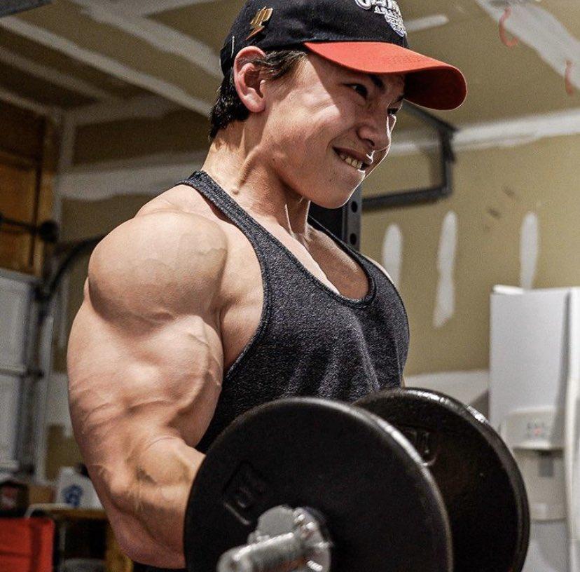 Самые тяжелые атлеты мира - сколько их вес и как они выглядят?