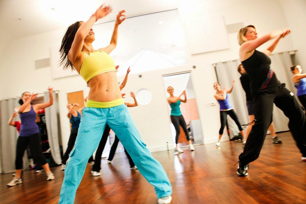 Танцуют все! эффективный и веселый способ похудеть