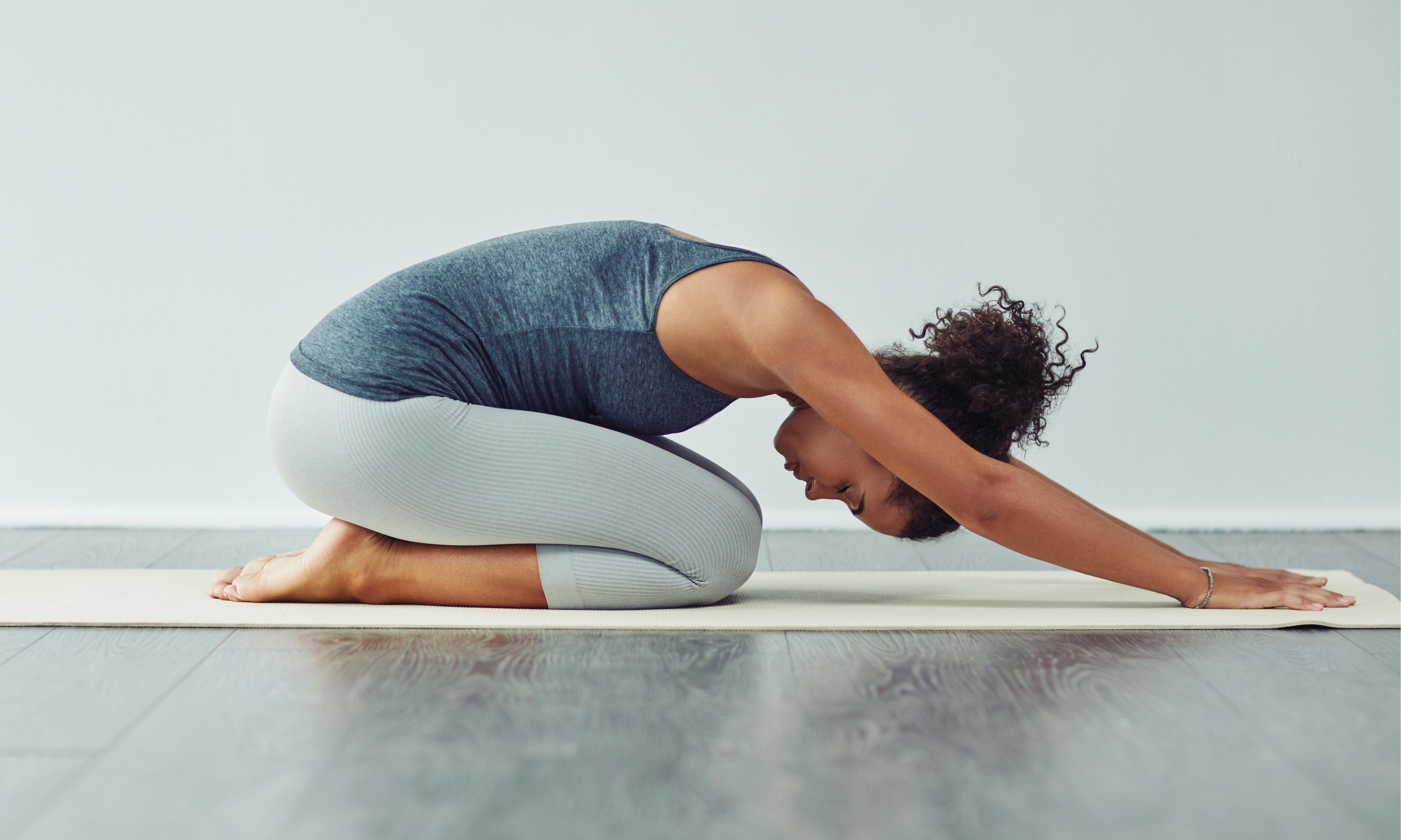 Йога для беременных во 2 триместре: польза, правила безопасных занятий, позы и противопоказания