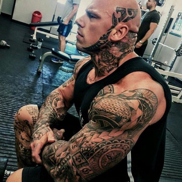 Самый татуированный бодибилдер России — кто он и чем занимается?