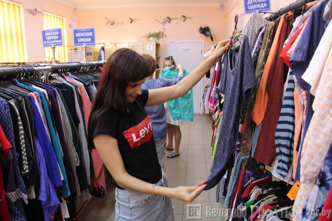 Подруга давно работает в секонд-хенде. она рассказала, какие вещи там лучше не покупать и на что следует обращать внимание