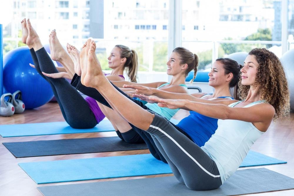 Что лучше: упражнения на тренажерах или групповые занятия | super.ua