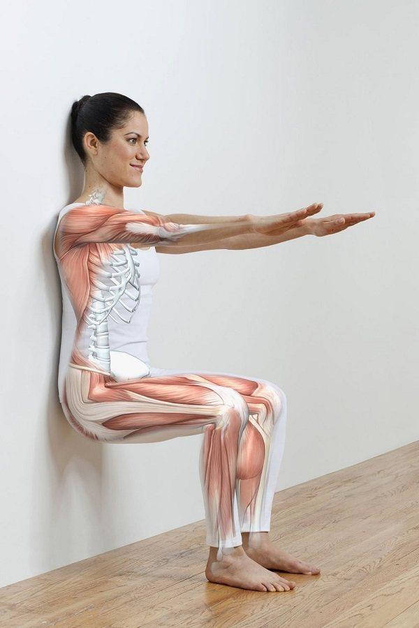 Как правильно делать упражнение «стульчик» у стены» — 4 вида движения и какие мышцы работают? - леди стиль жизни