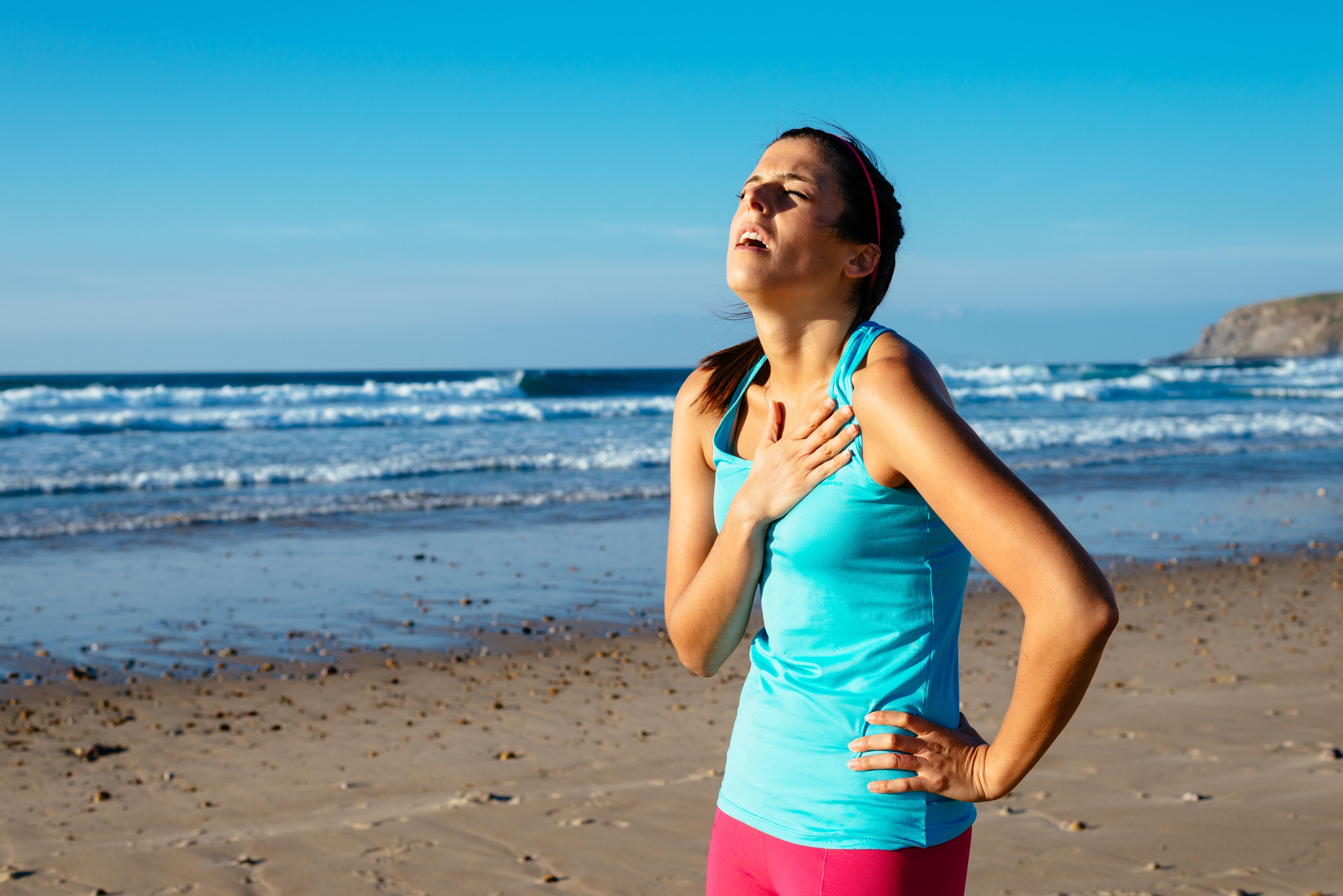 Как правильно дышать при беге. боль в боку, причины