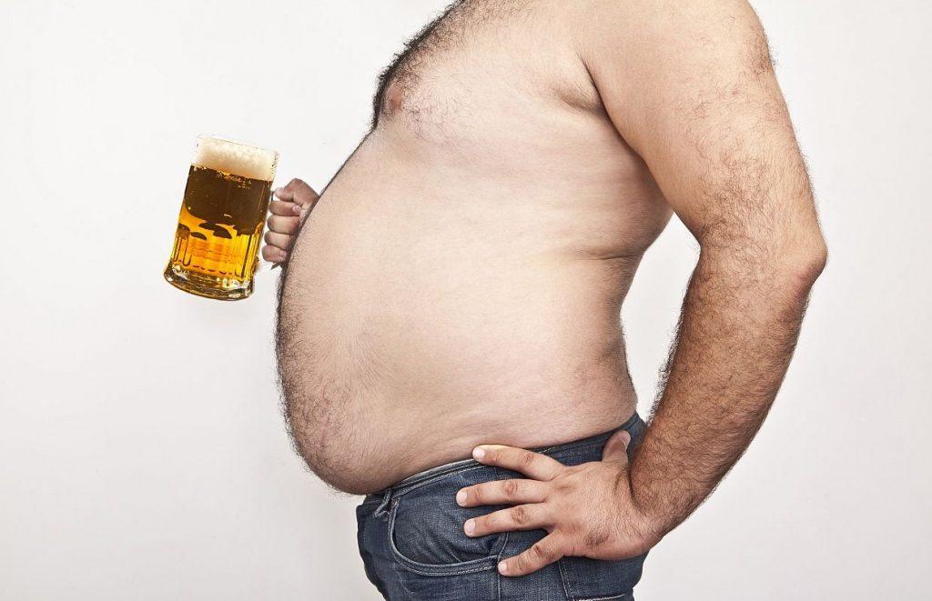 Как избавиться от пивного живота мужчине: физические упражнения и диета