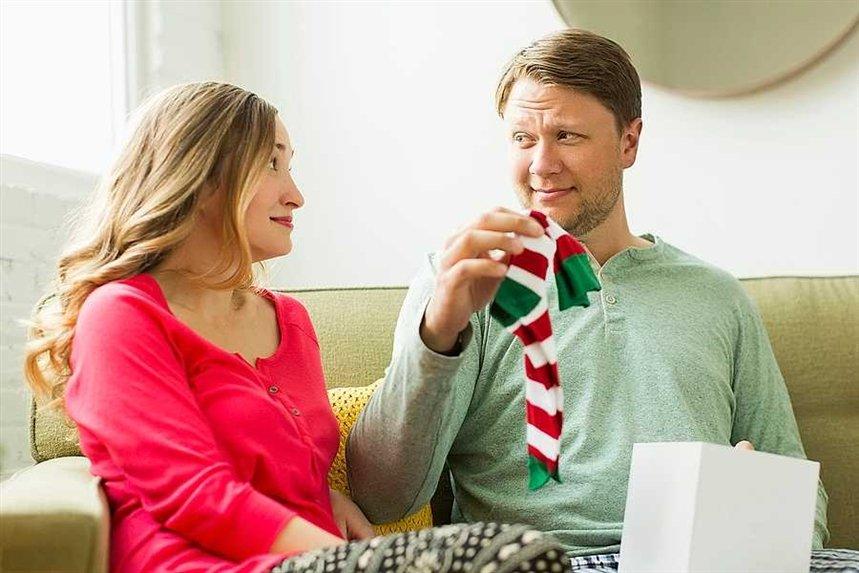 Можно ли дарить даренные подарки?