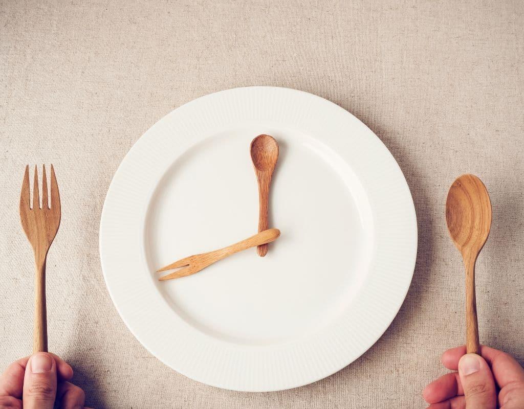 9 фактов о пользе периодического голодания со ссылками на научные исследования