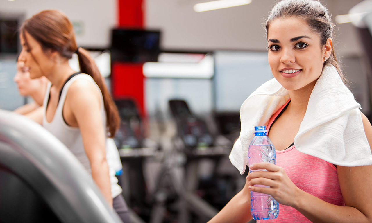 Можно и нужно ли пить воду во время тренировки
