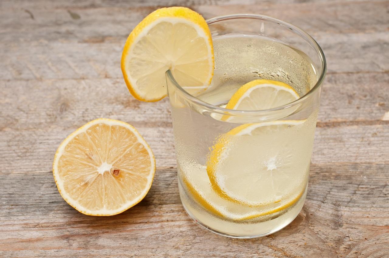 Вода с лимоном для похудения: польза и вред, как приготовить и пить