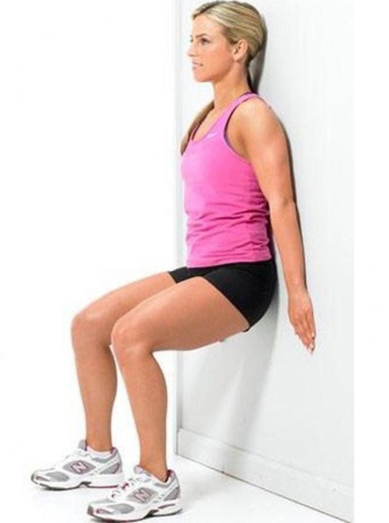 Упражнение стульчик - как делать приседания у стены с видео и какие мышцы рабатают
