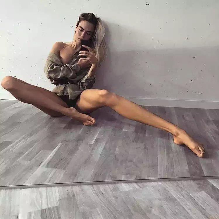 Самая длинноногая модель в мире удивляет своих поклонников   fresher - лучшее из рунета за день