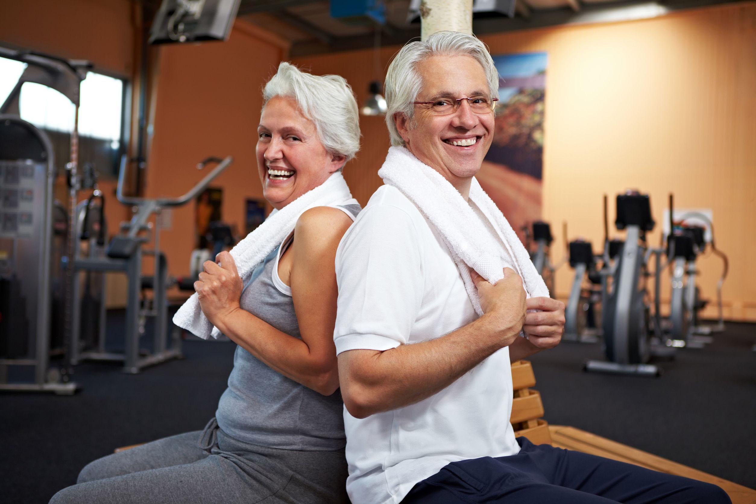Зарядка для женщин после 50 лет: комплекс упражнений, рекомендации, видео
