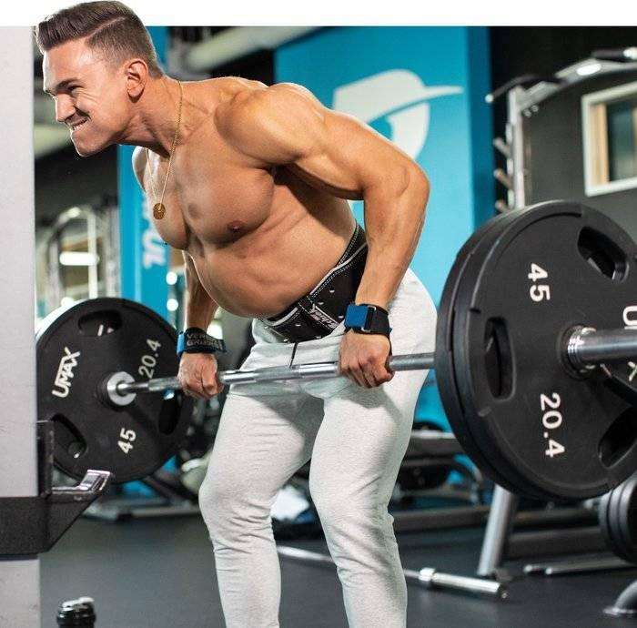 Упражнения на спину в тренажерном зале: инструкция