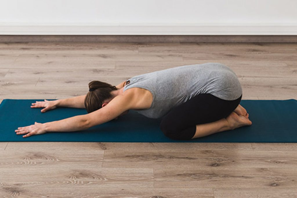 Йога для беременных — особенности занятий по триместрам, польза и противопоказания,