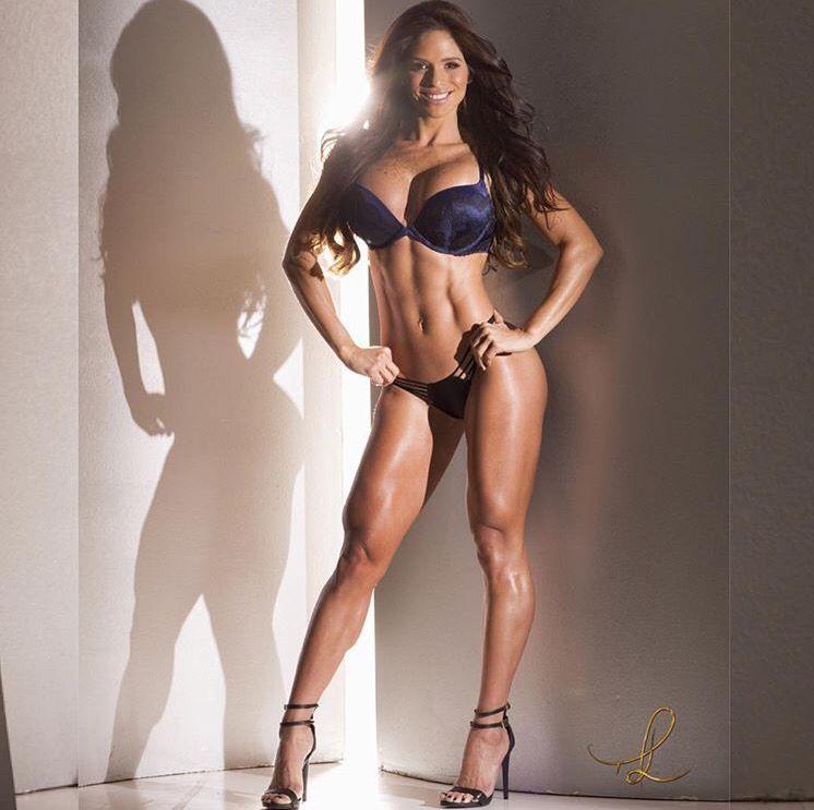 Мишель левин: биография фитнес-модели, возраст, горячие фото, рост, до и после, параметры, программа тренировок, питание, голая в playboy