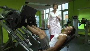 Гимнастика при геморрое: комплекс лечебных упражнений в домашних условиях