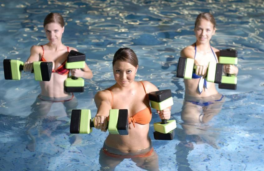 Аквааэробика: польза занятий для организма, эффективность для похудения. аквааэробика и противопоказания к тренировкам