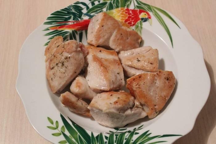 Куриная грудка в мультиварке - рецепты запеченного, вареного, тушеного мяса