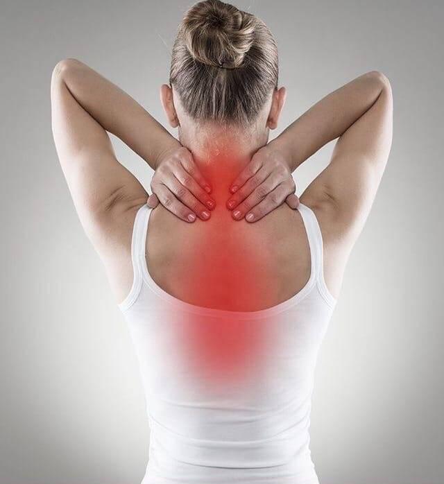 Боли в спине между лопатками: причины ноющей, резкой, острой, тупой, жгучей, сильной и постоянной боли, что делать, если болит позвоночник между лопаток