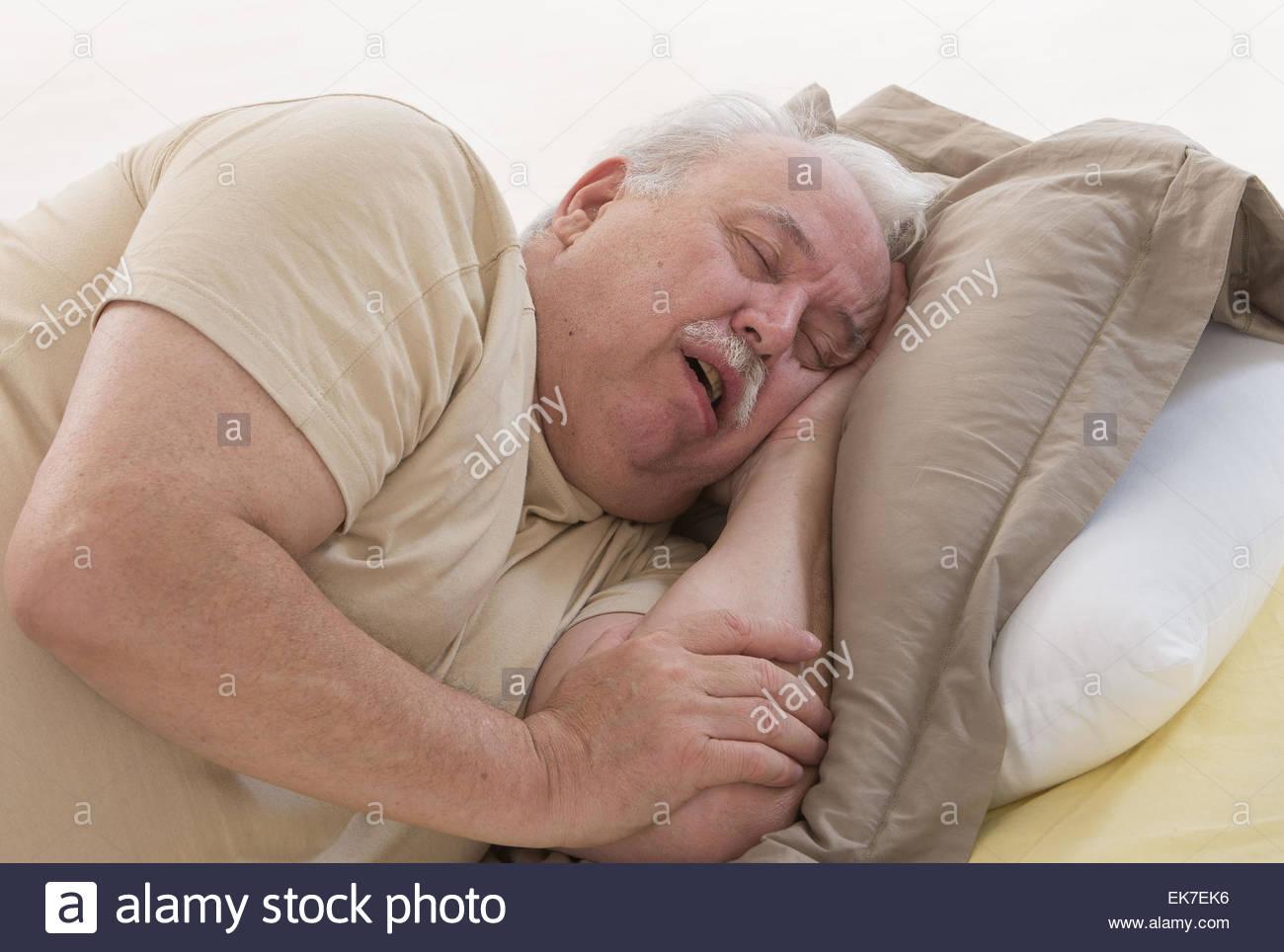 Причины повышенной сонливости