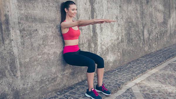 Как правильно делать упражнение «стульчик»?