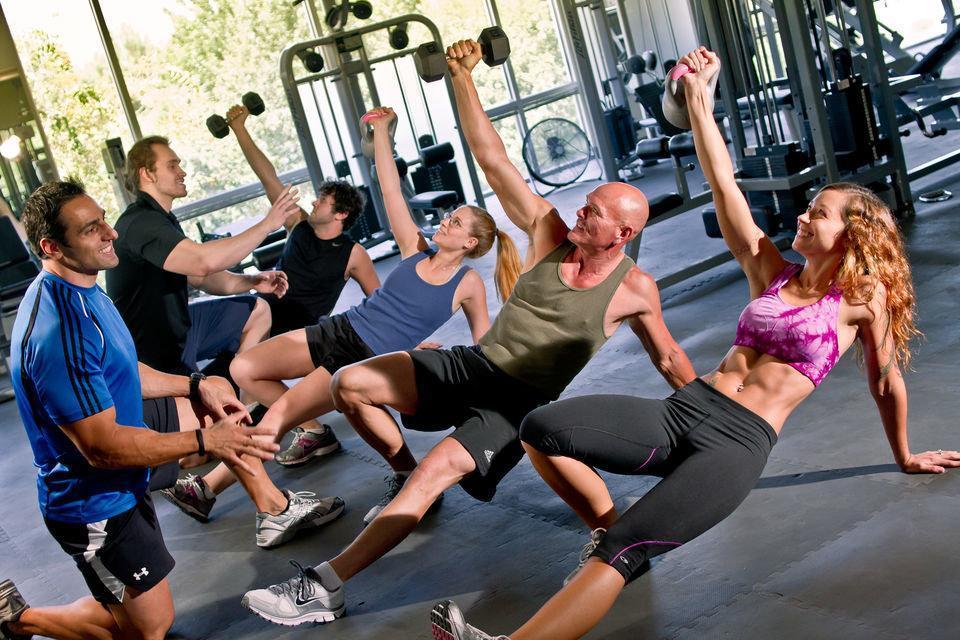 Калланетика для начинающих – комплекс эффективных упражнений для домашних тренировок