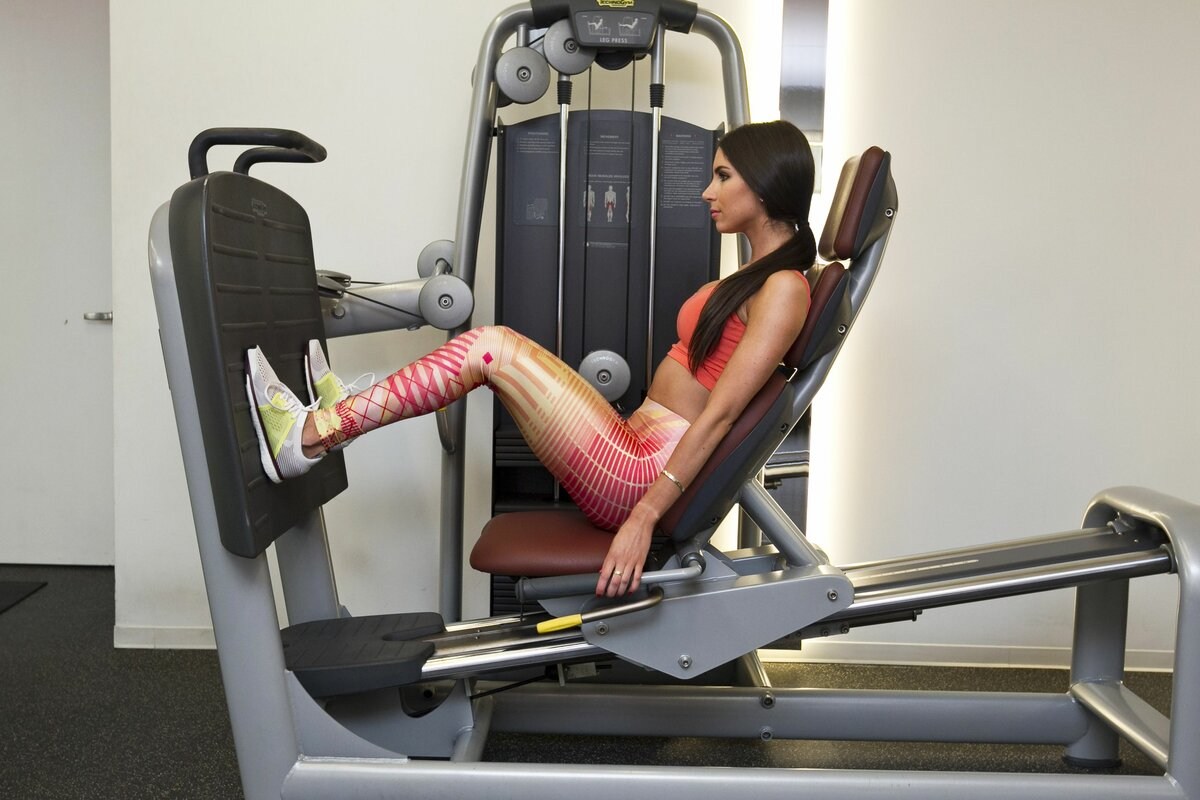 Жим ногами лёжа! упражнение для всесторонней проработки ног