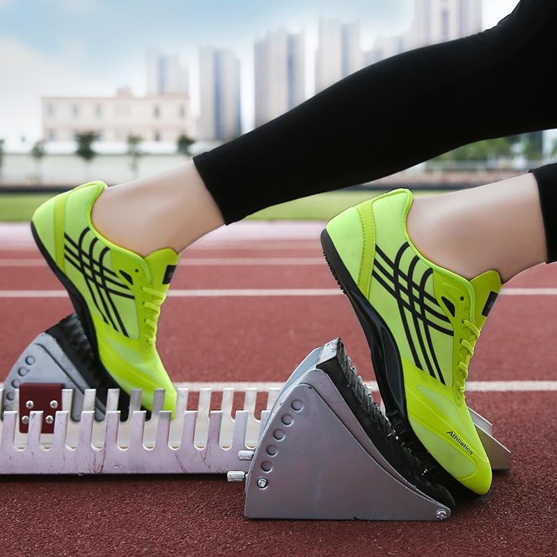 Кроссовки для бега зимой: мужская и женская зимняя обувь для бега