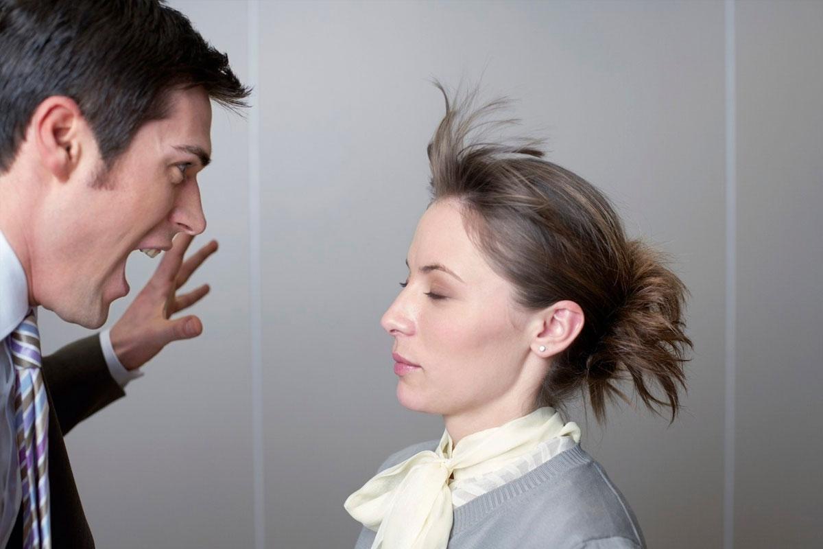 Как реагировать на оскорбления и агрессию: 3 совета и фразы