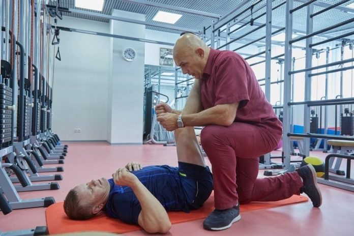 Упражнения бубновского в домашних условиях: полный курс 20 упражнений (видео) для лечения позвоночника и растяжки