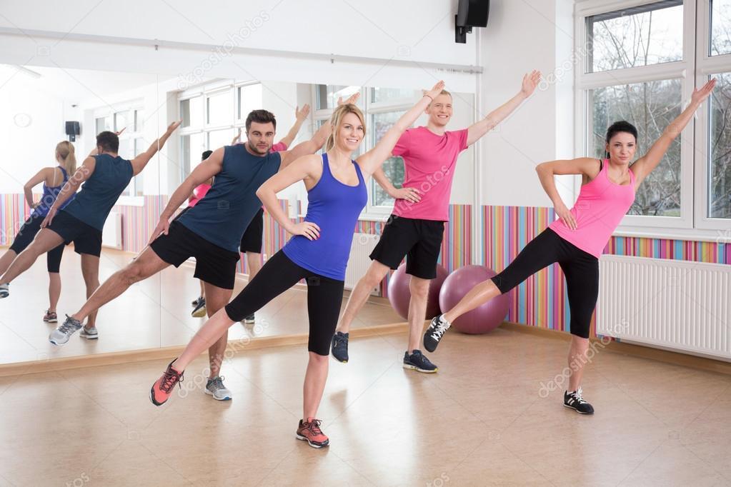 Танцы в домашних условиях для похудения: уроки для начинающих
