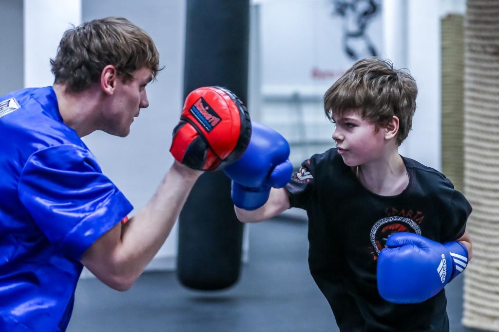 Как научиться боксу в домашних условиях: преимущества этого вида спорта, с чего начать — как должны проходить тренировки