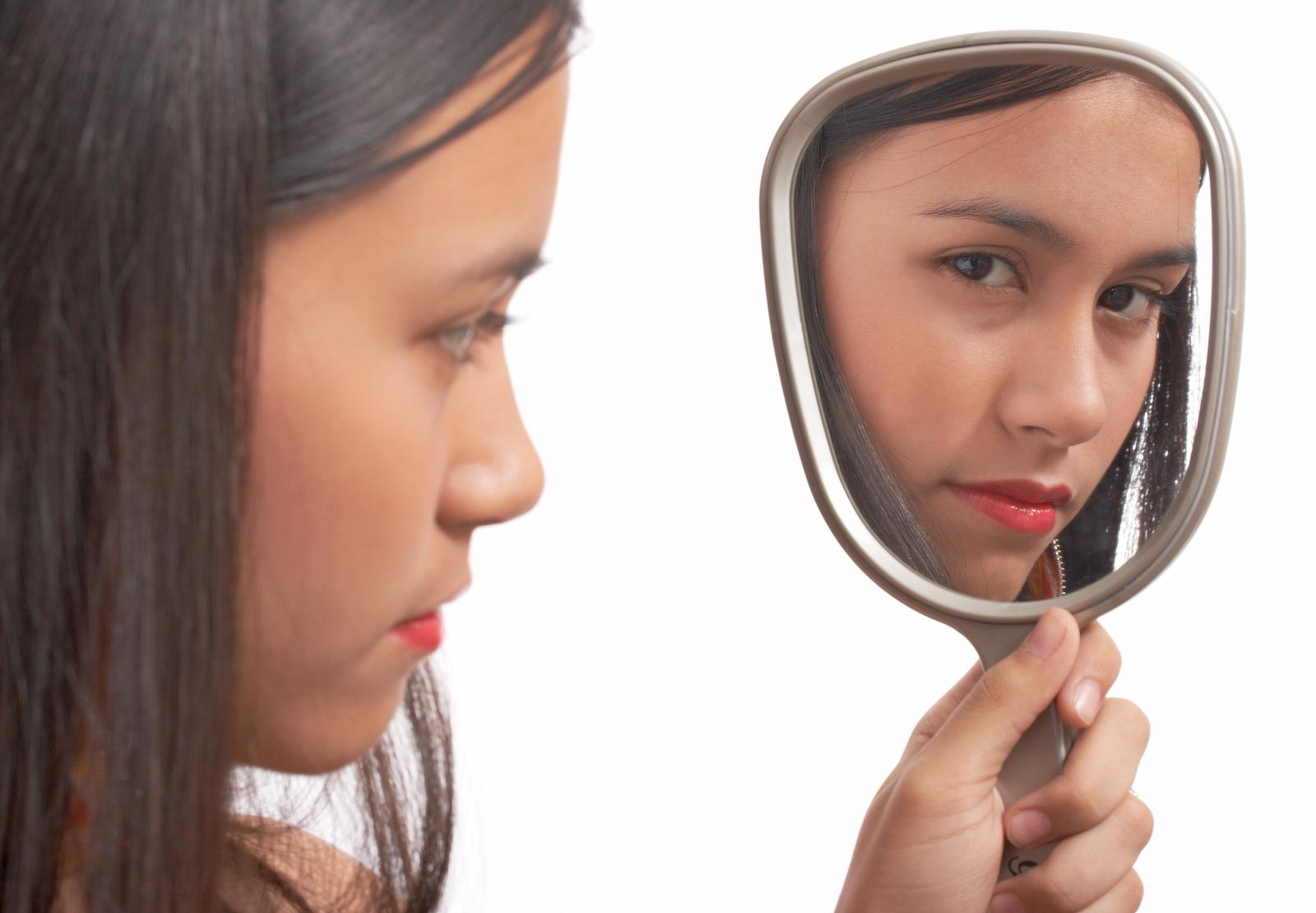 Как перестать стесняться людей и стать увереннее в себе