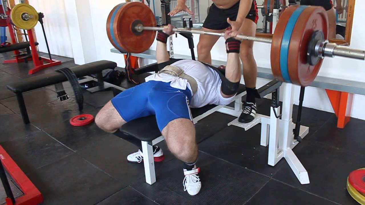 Жим штанги стоя (армейский жим): какие мышцы включаются в работу при правильном выполнении жима штанги с груди стоя и сидя