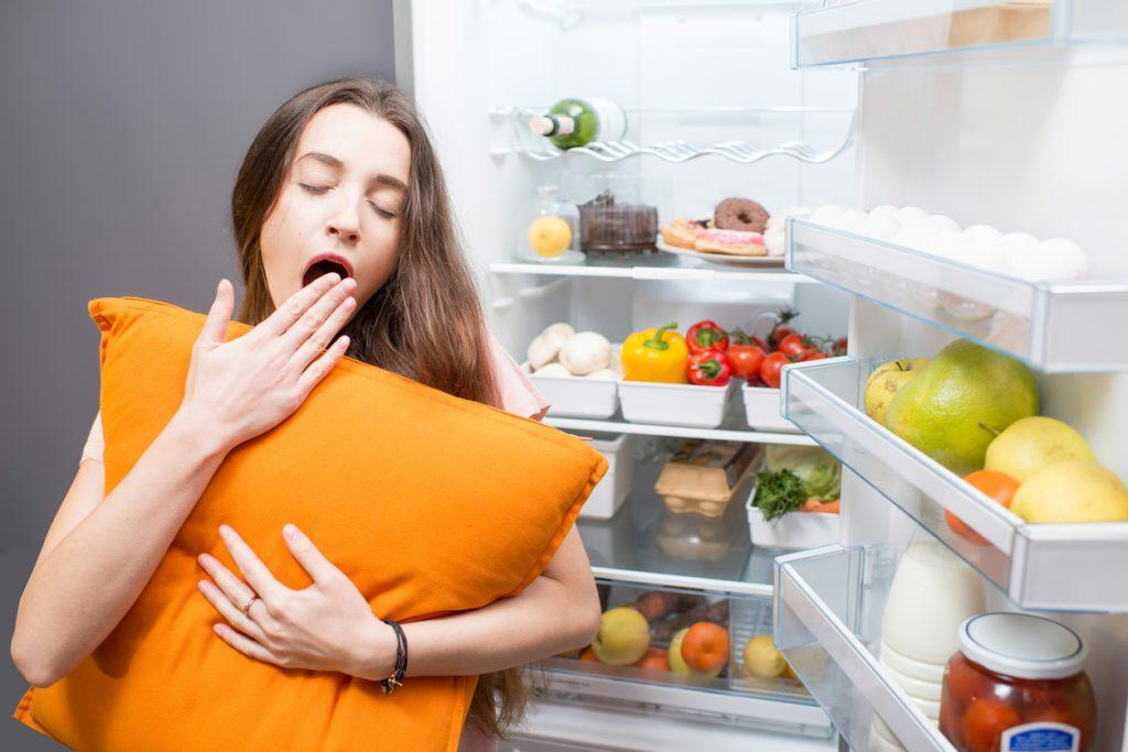 Почему нельзя есть на ночь перед сном