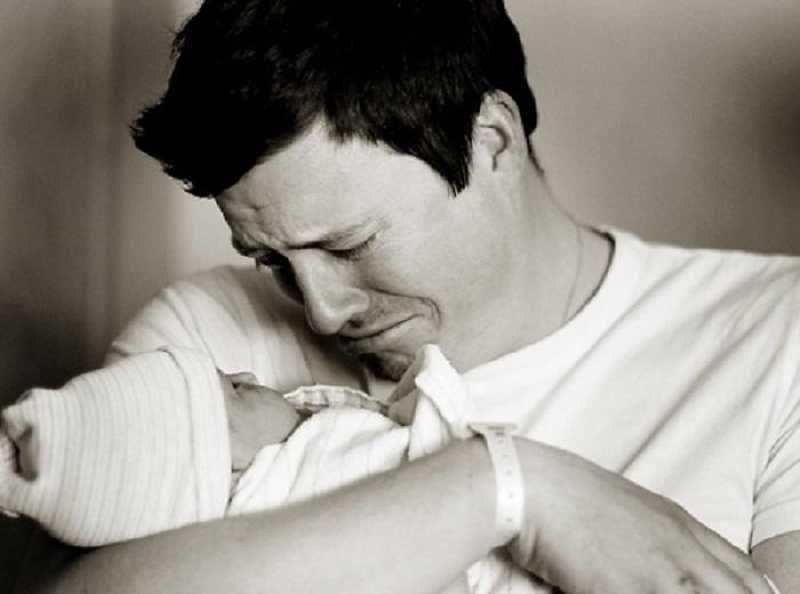 Мужчины родили ребенка - экспресс газета