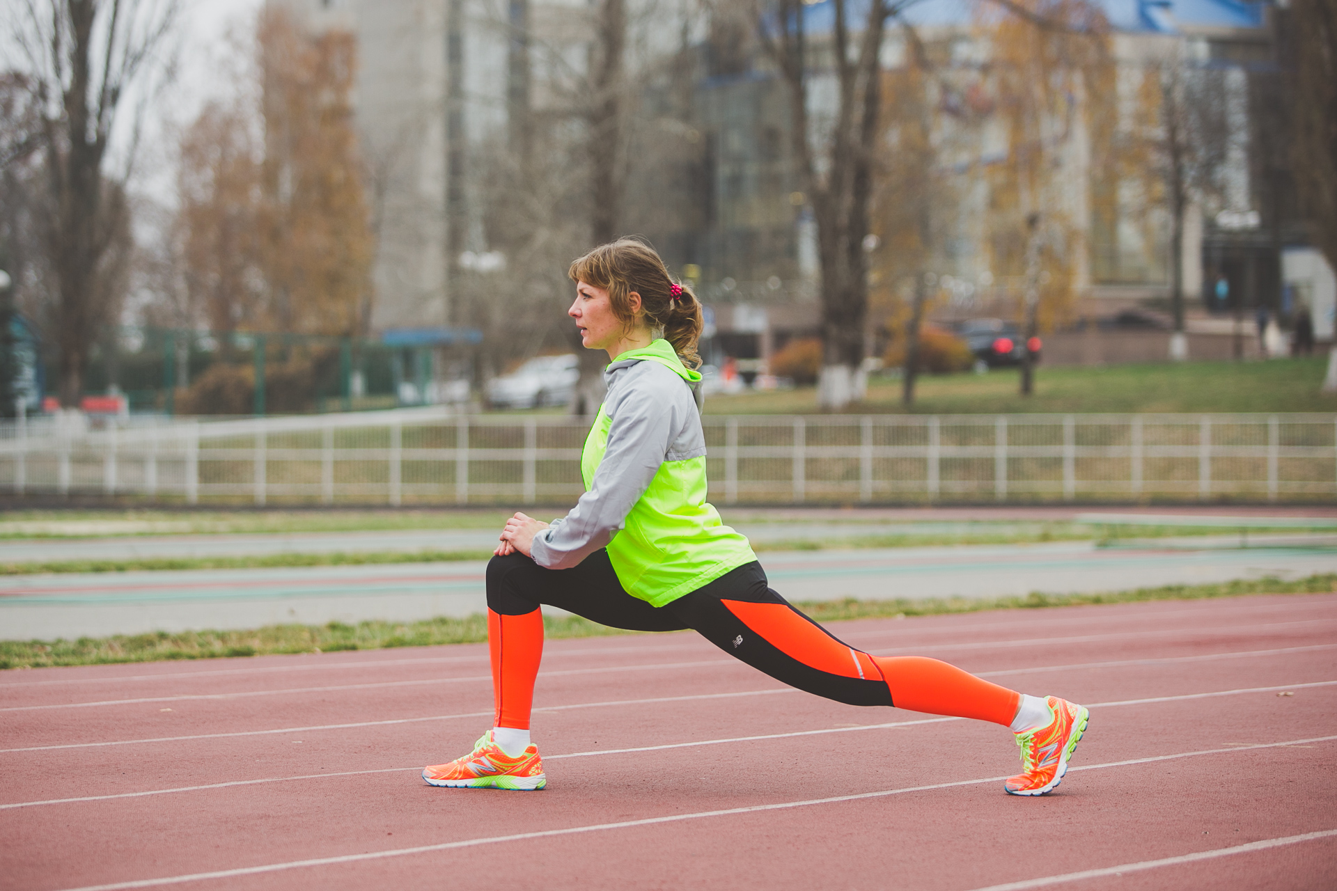 Разминка перед бегом: упражнения для начинающих, как разминаться для пробежки на разные дистанции