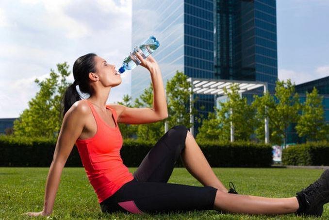 Что пить во время тренировки для похудения: что лучше?
