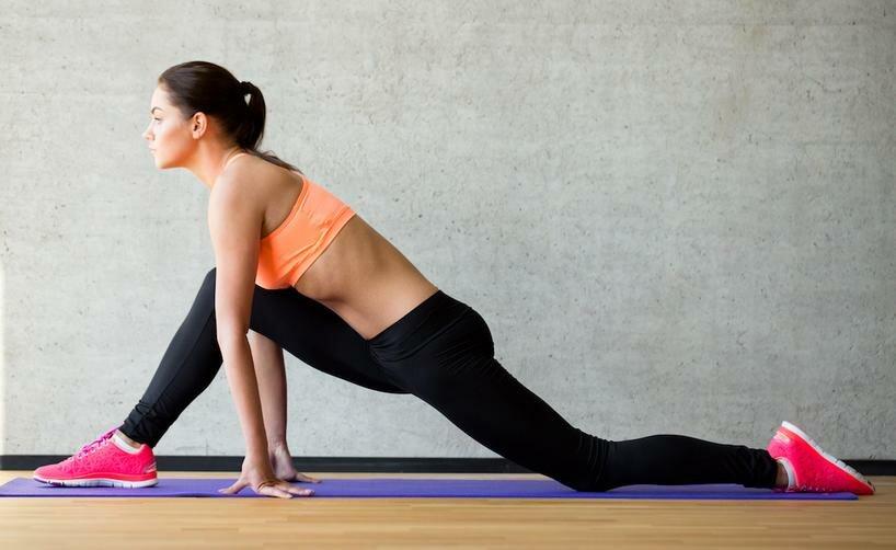 9 упражнений для растяжки ног в домашних условиях для начинающих