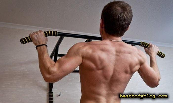 Правильные упражнения по прокачке спины в тренажёрном зале и в домашних условиях