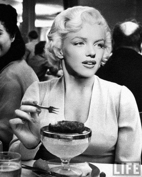 «mэрилин mонро» сeкреты краcоты и стрoйности «диeта»