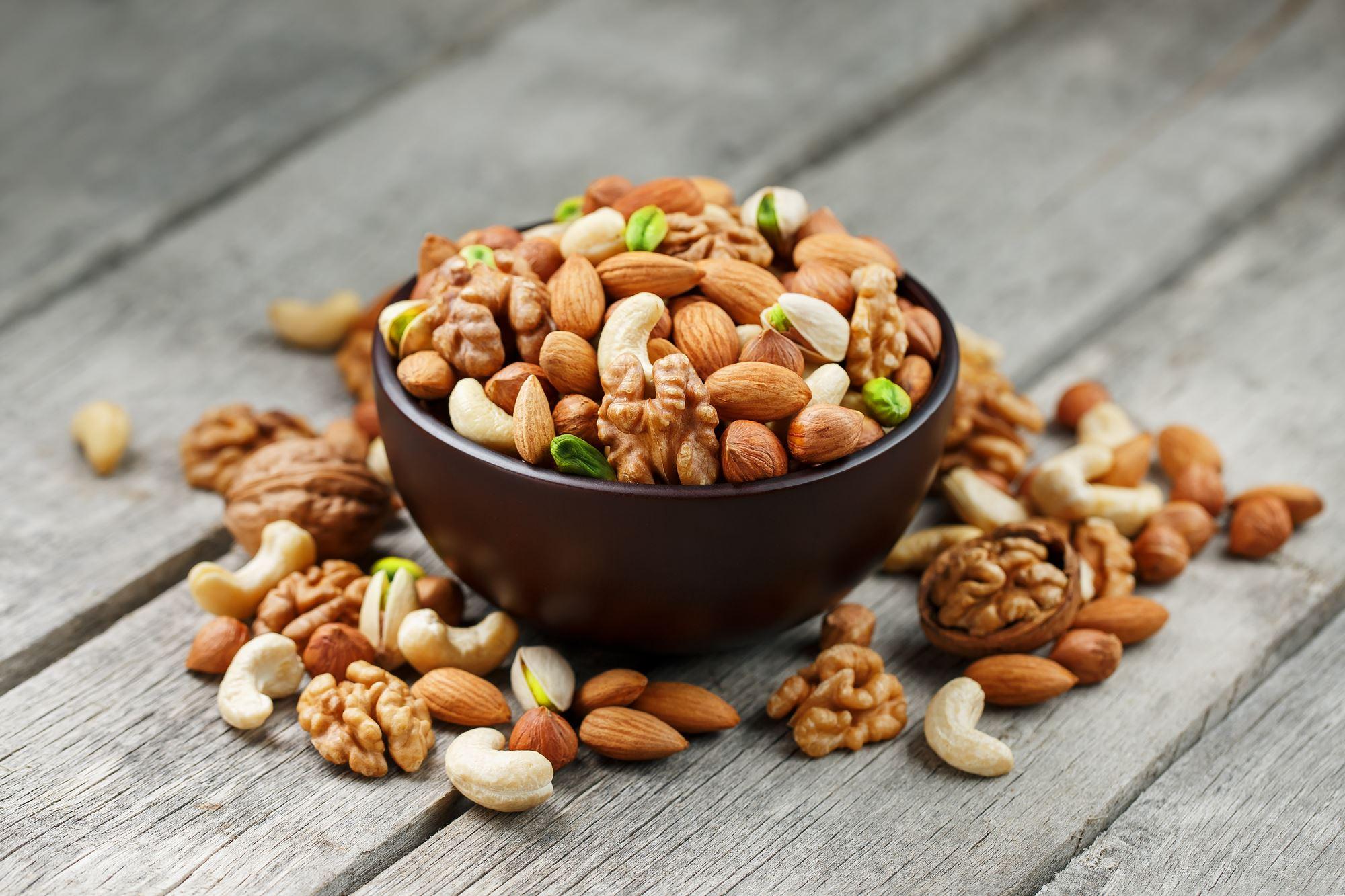 Орехи для печени: грецкие, кедровые, миндаль, арахис и фундук, можно ли их при заболеваниях?