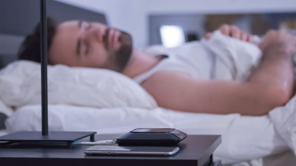 Мониторинг сна: как она работает и влияние на фазы во время сна