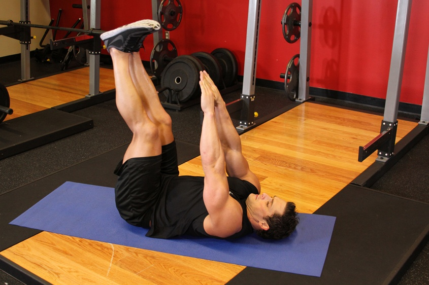 Топ-20 упражнений стоя для похудения живота (фото)