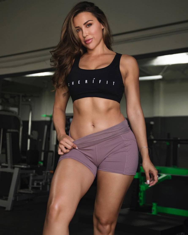 Фитоняшки: фото и биография знаменитых девушек фитнес моделей