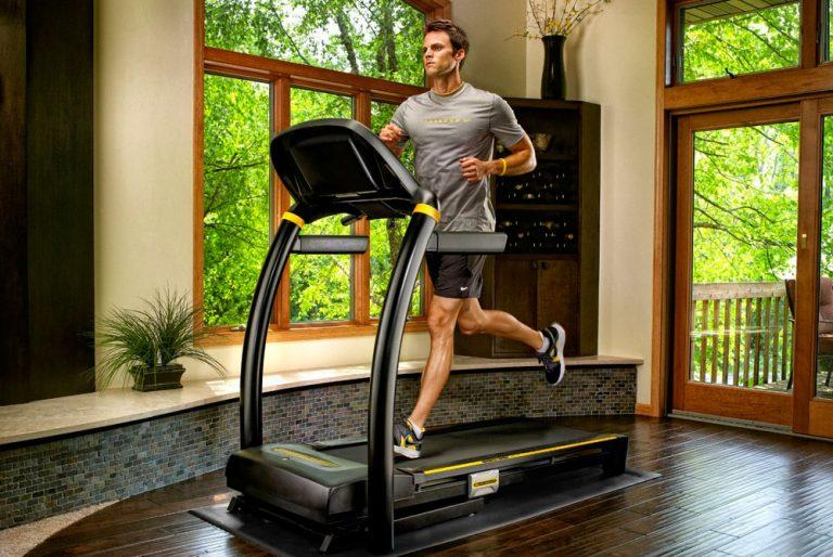 Чем полезна беговая дорожка, какие мышцы работают