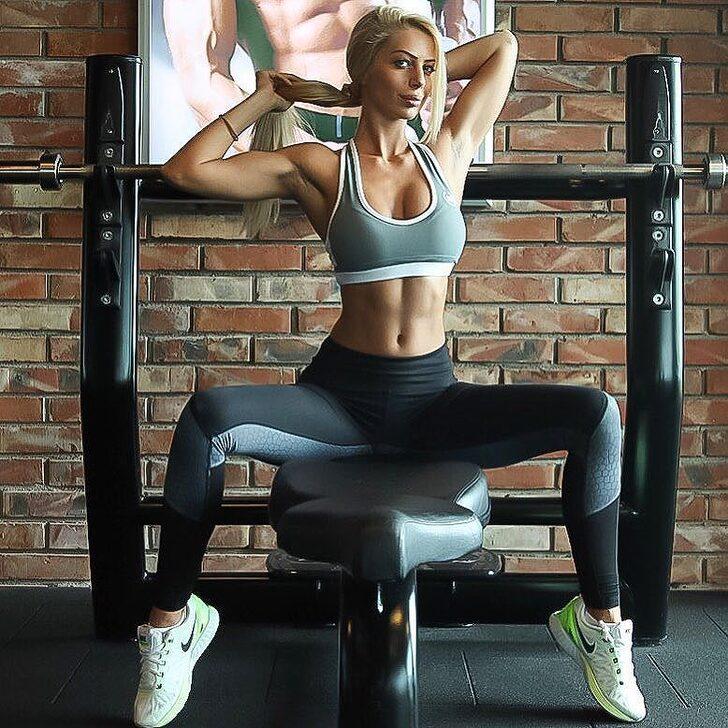 Топовая инстамодель янита янчева: тренировки, личная жизнь. - спортзал