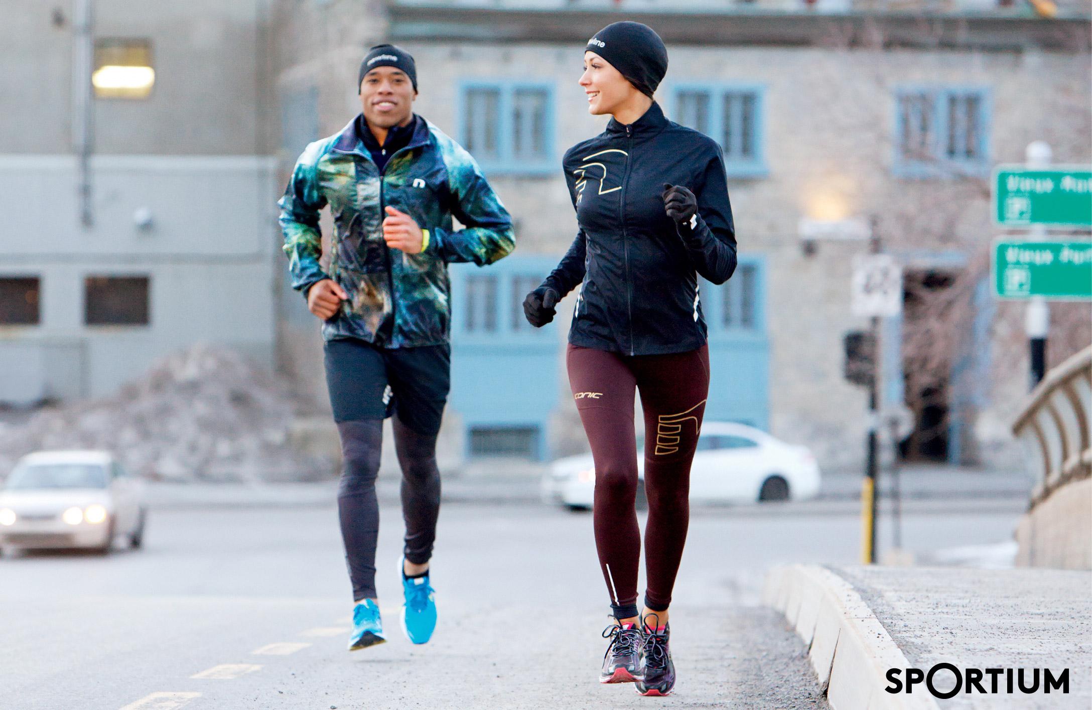 Одежда для бега: особенности выбора женской и мужской экипировки, за сколько можно купить качественный комплект?