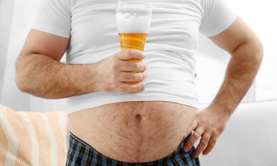 Почему растет живот от пива у мужчин и как от него избавиться